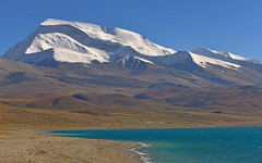 Mt. Naimona'nyi (纳木那尼峰), 7694 m by the shore of Lake Manasarovar (玛旁雍措), one of the three great holy lakes in Tibet (lightmeister) Tags: china tibet travel ngari kailash manasarovar