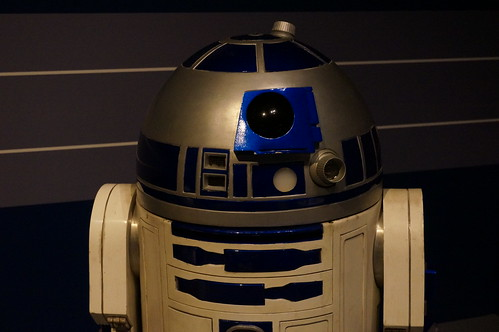 "R2-D2 • <a style=""font-size:0.8em;"" href=""http://www.flickr.com/photos/28558260@N04/37356998192/"" target=""_blank"">View on Flickr</a>"