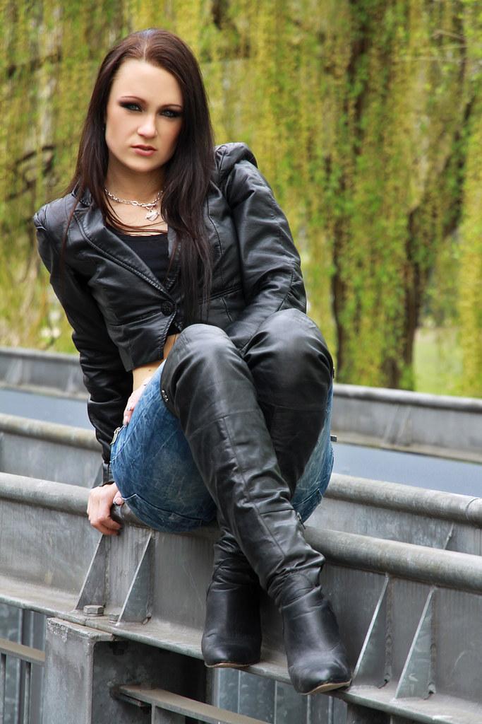 Gianna gaming girl