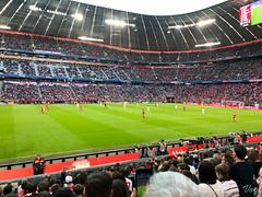 Allianz Arena - Das Spiel beginnt (Laterna Magica Bavariae) Tags: münchen bayern deutschland de freiburg fcbayern jupp heynckes allianz arena munich