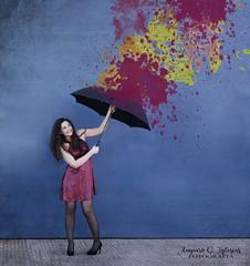 Hoy te lloverán colores - Amparo García Iglesias (Amparo Garcia Iglesias) Tags: color vida paraguas lluvia de colores modelo laura garcia fotos photos amparo iglesias