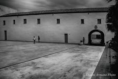 Una piazza, un pallone... (Gianni Armano) Tags: una piazza un pallone foto gianni armano photo bianco nero flickr