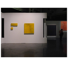 "Composition in yellow * — ""Funny frames !"", Le Fresnoy. (michelle@c) Tags: art contemporan textil exhibition sidivalfila italian artist texture squares rectangles woven fabric wire pigment chromayellow lefresnoy national studio tourcoing lille metropole 2017 michellecourteau"