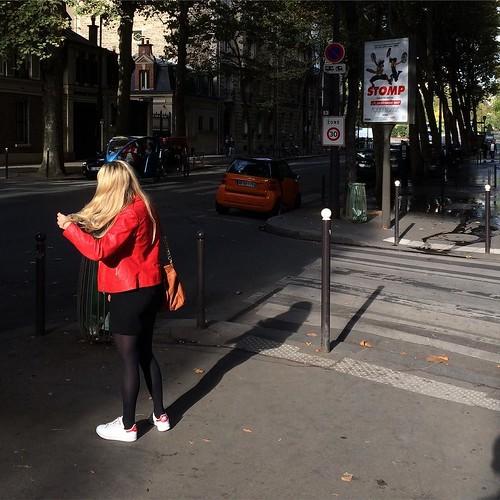 🔶🔴⬛️ #streetphoto #paris #avenuedelabourdonnais #tw