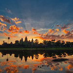 Sunrise over City Temple / Angkor Wat thumbnail