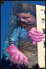 Bom.K (Gramgroum) Tags: street art graffiti mur mural paris xiii 13 bomk main personnage immeuble galerie itinerance