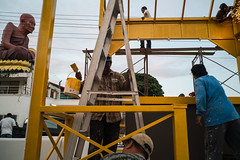 * (Sakulchai Sikitikul) Tags: street snap streetphotography songkhla sony voigtlander 28mm a7s underconstruction worker statues yellow
