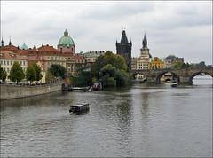 Praga (JLL85) Tags: praga prague river bridge agua water sky viaje viajar travel view people