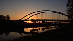 Ruhige Abendstunden (Nikonfotografie) Tags: herbst abend abendstimmung sunset sonnenuntergang kanal fluss aller verden