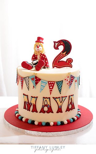 Single Tier Vintage Circus Themed Cake With 3D Cute Clown Figurine