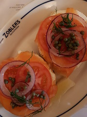 Lower East Side (failing_angel) Tags: 100617 london food cityoflondon cornhill thened zobler'sdeli lowereastside redonion tomato caper smokedsalmon creamcheese