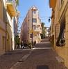 Cannes  / Traverse de la Tour / Le Suquet (Pantchoa) Tags: cannes france côtedazur lesuquet vieuxquartier ruelle architecture façades nikon d7200 sigma 1750mmf28 lanterne pavés perspective