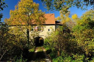 herbstliche Wildnis Ruine Lauterburg