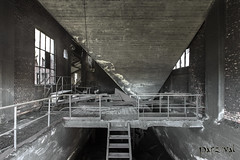 (Parzival-) Tags: controll steel industry metal industrie factory abandoned decay marode urbex verfall ruine lost place antique stairs neglected architektur architecture canon parzival verlassen forgotten abdandonato room forbidden old building past glory verlassend orte urban forsaken zerfall alt
