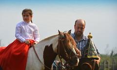 No Dia da Padroeira (Eduardo Amorim) Tags: gaúcha gaúchas gaucha gauchas gaúchos gauchos caballo horse cheval cavallo pferd cavalos caballos horses chevaux cavalli pferde crioulo criollo crioulos criollos cavalocrioulo cavaloscrioulos caballocriollo caballoscriollos alegrete pampa campanha riograndedosul brésil guria menina niña girl fille ragazza mädchen mulher mujer woman femme donna imagem santa nossasenhora nossasenhoraaparecida brasil sudamérica südamerika suramérica américadosul southamerica amériquedusud americameridionale américadelsur americadelsud cavalo 馬 حصان 马 лошадь ঘোড়া 말 סוס ม้า häst hest hevonen brazil eduardoamorim
