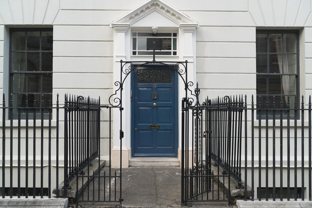 BLESSINGTON HOUSE [10 HENRIETTA STREET DUBLIN]-133289