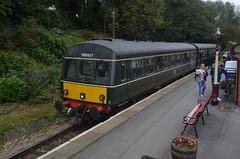 DMU @ Haworth (Sam Tait) Tags: train rail railway station diesel car railcar rails multiple unit preserved haworth keighley worth valley british
