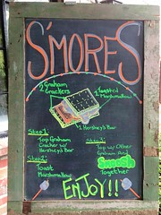"S'mores • <a style=""font-size:0.8em;"" href=""http://www.flickr.com/photos/85572005@N00/26339886389/"" target=""_blank"">View on Flickr</a>"