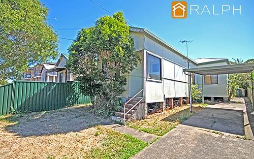 7 Greenacre Rd, Greenacre NSW 2190