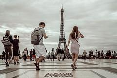 PARIS (01dgn) Tags: toureiffel latoureiffel eyfel eiffelturm paris city urban peoples france frankreich fransa travel streetphotography