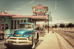 La voiture bleue (Isa-belle33) Tags: road roadtrip route66 road66 car voiture amérique america arizona old vintage retro fujix30 fuji fujifilm