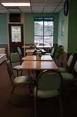 (J.G. Park) Tags: 2015 hardy arkansas table chairs green shop empty room