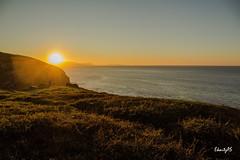 October Sunset light (ekaitzas) Tags: october octubre urria sunset autumn atardecer uribekosta barrika golfodevizcaya vizcaya bizkaia otoño euskalherria euskadi paysbasque paísvasco costa coast kosta sun mar sea itsasoa