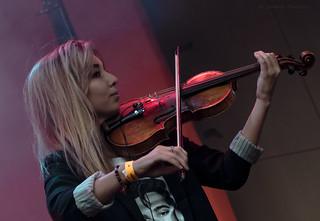 girl-violinist