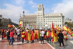 Presenciar la historia mundial / Witnessing world history being made (Towner Images) Tags: plaçadecatalunya spain barcelona catalonia catalunya catalan independence square city rally people towner