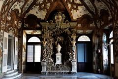 DSC01529_DxO (Domz_Goglia) Tags: mantova mantua italy lombardy palazzoducale saladeifiumi shadows light palace ducalpalace