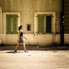 Woman in Nyon (Zeeyolq Photography) Tags: walking femmes marcher nyon street suisse swiss switzerland woman vaud ch