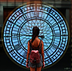 """El tiempo   """"lo más valioso que tenemos"""" (portalealba) Tags: sevilla andalucía españa spain portalealba canon eos1300d 1001nights 1001nightsmagiccity bestportraitsaoi"""