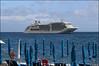 Scalo ad Amalfi (Maulamb) Tags: transatlantico nave ombrelloni