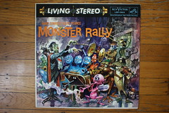 Monster Rally Record ( RCA 1959 ) (Donald Deveau) Tags: rca livingstereo album record lp vinyl monsters dracula purplepeopleeater invisibleman monsterrally hansconried alicepearce 1959 jackdavis art illustration