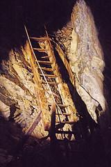D16409.  Llechwedd Slate Caverns. (Ron Fisher) Tags: llechwedd llechweddslatecaverns llechweddslatequarry blaenauffestiniog gwynedd gogleddcymru cymru northwales wales gb greatbritain uk unitedkingdom europe underground mine slate slatequarry pentax pentaxk3 tamron tamron18200mm tamronaf18200mmf3563xrdiiildasphericalif