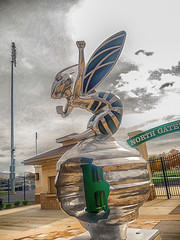 highland_hornets (gerhil) Tags: travel facility landmark stadium football school mascot statue hornet logo autumn october2017 nikcolorefexpro4 sculpture art sky dramatic 1001nights