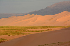 Gobi desert. (Victoria.....a secas.) Tags: mongolia gobi desierto desert dunas dunes