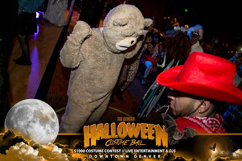 "Halloween Costume Ball 2017 • <a style=""font-size:0.8em;"" href=""http://www.flickr.com/photos/95348018@N07/26301412449/"" target=""_blank"">View on Flickr</a>"