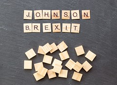 Johnson gibt rote Brexit (marcoverch) Tags: noperson keineperson text business geschäft paper papier desktop sign schild display anzeigen finance finanzen education bildung symbol achievement leistung cube würfel texture textur alphabet abstract abstrakt typography typografie conceptual begrifflich shape gestalten illustration internet konzeptionell cathedral spring fuji la macromondays analog pumpkin pentax catwa naturaleza