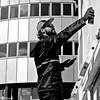 Artist at work (Akbar Simonse) Tags: zoetermeer holland netherlands nederland streetphotography streetshot zwartwit bw blancoynegro bn monochrome streetart hopmangebouw akbarsimonse people artist spuitbus spraycan straatfotografie straatfoto bierenbrood