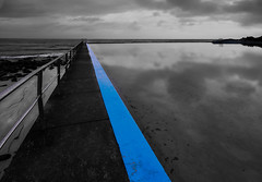 blue line (Wanda Amos@Old Bar) Tags: focusgroup forster wandaamos oceanpool sea sunrise water blue line lines selectivecolour merge infinity sky