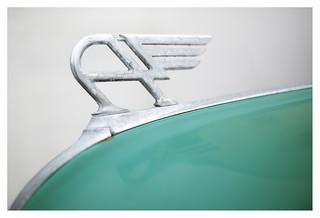 Sensuous curves: Austin A40 _ 3