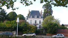 Oissel -  Soleil d'automne (jeanlouisallix) Tags: oissel seine maritime haute normandie france automne maison hôtel particulier belle demeure architexture