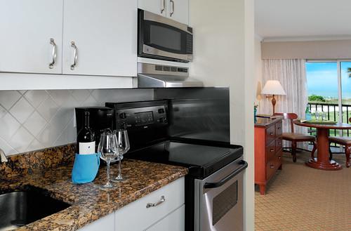 Beachfront Rooms,  West Wind Inn