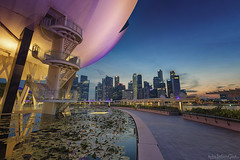 LOTUS FLOWER (ChieFer Teodoro) Tags: canon 6d 1635mm arca swiss gitzo gt2541 landscape cityscape blue hour long exposure sunset lotus flower cbd mbs singapore art science museum asm