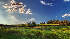 IMG_4583-85Ptzl1scTBbLGER (ultravivid imaging) Tags: ultravividimaging ultra vivid imaging ultravivid colorful canon canon5dmk2 clouds sunsetclouds scenic vista fields farm autumn lateafternoon pennsylvania pa rural evening countryscene panoramic sky landscape