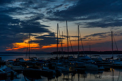 Day's End (John H Bowman) Tags: newengland vermont chittendencounty burlington parks localparks lighthouses newenglandlighthouses vermontlighthouses burlingtonbreakwaternorthlight lakesandponds lakechamplain marinasharbors boats sailboats mountainviews cloudyskies sunsets afterglow september2017 september 2017 canon24704l