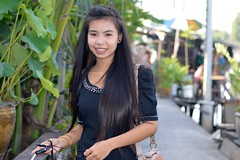 pretty young woman showing off her decorative braces (the foreign photographer - ฝรั่งถ่) Tags: pretty young woman pink decorative braces mouth jewelry khlong lat phrao portraits bangkhen bangkok thailand nikon d3200