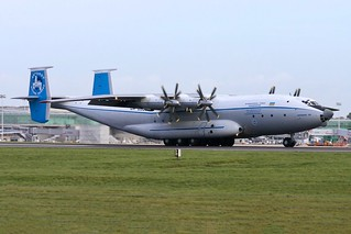 UR-09307 AN-22 ADB Stansted 12.11.06