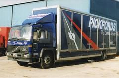 img962  P790 MNE Hull 10-99 (marktriumphman) Tags: pickfords volvo hull